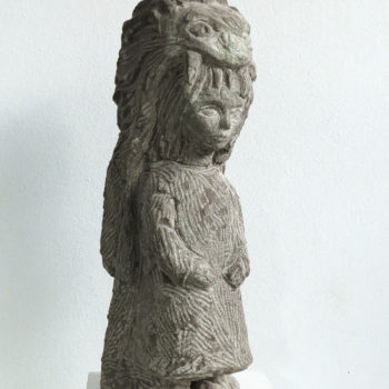 Mädchen mit Löwenfell   Sandstone   52 x 16 x 16 cm   2015