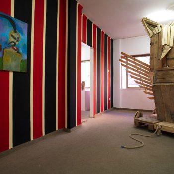 Exhibiton View   Vinerunt,Viderunt,Venerunt   with Uwe Henneken   The Breeder   2007   Athens